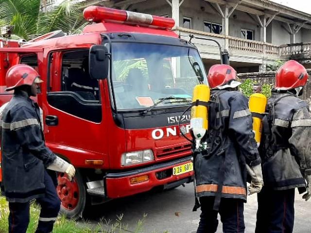 SECOURISME : VINGT POMPIERS CIVILS IVOIRIENS FORMES PAR LES POMPIERS FRANCAIS